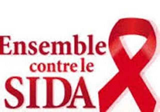 Innover pour éradiquer le VIH/SIDA: les leaders d'opinion mondiaux ...